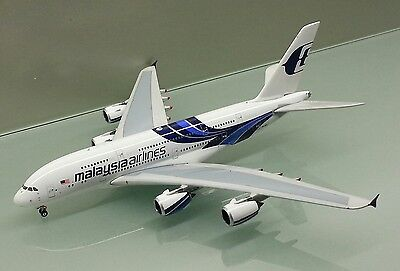 Phoenix 1/400 Malaysia Airlines Airbus A380 9M-MND die cast metal model