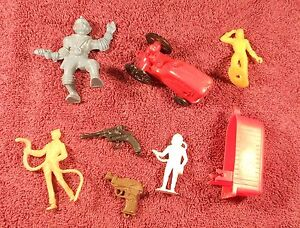 Vintage-1950-039-s-60-039-s-small-Toy-Lot-MPC-Marx-Wannatoys-Guns-Figures-Tractor