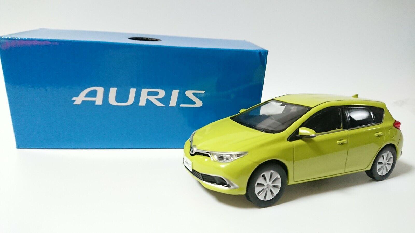TOYOTA AURIS Storefront Display Items Citrus Mica Metallic Model Car Diecast