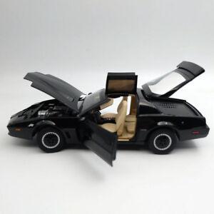 1-18-HOT-WHEELS-Super-Elite-Knight-Rider-KITT-with-Voicebox-and-Lights-Mattel