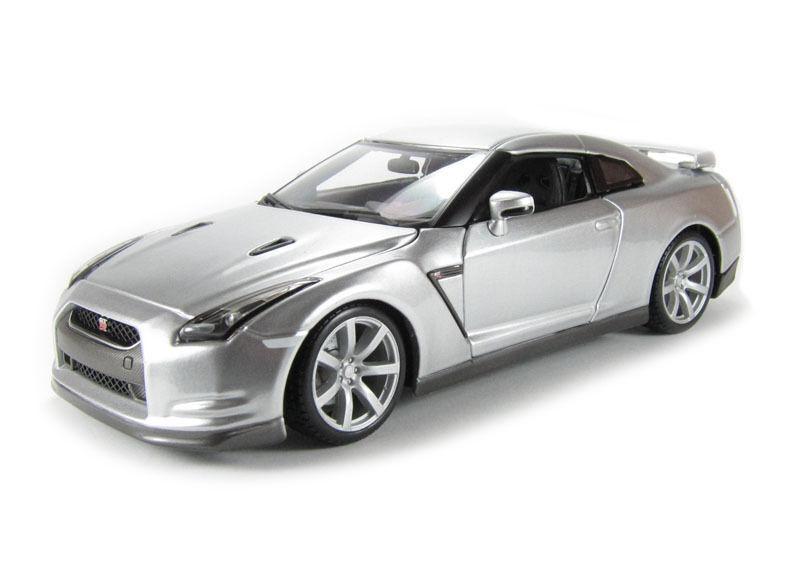 Todo en alta calidad y bajo precio. GTR 2009 Modelo De Auto diecast escala 1 18 18 18 modelos de coches de fundición en miniatura  primera vez respuesta