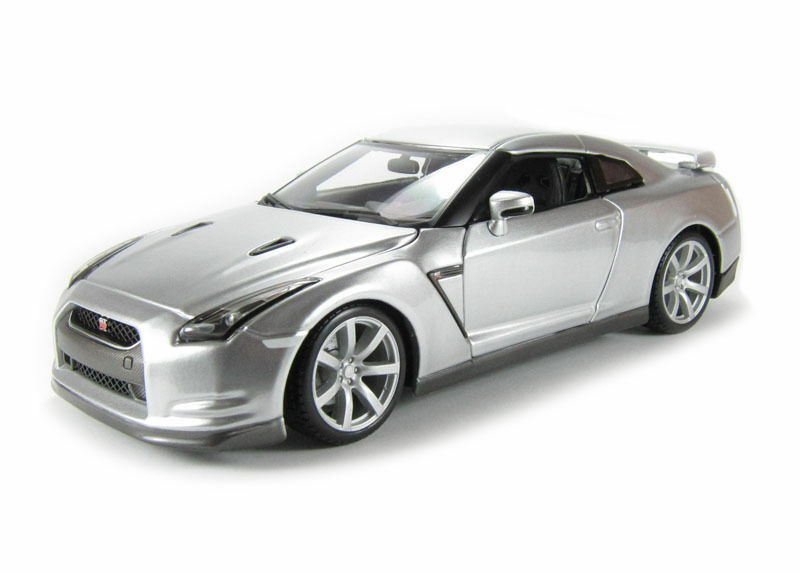 ofrecemos varias marcas famosas GTR 2009 Modelo De Auto diecast escala 1 18 18 18 modelos de coches de fundición en miniatura  tienda de descuento