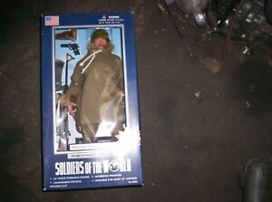 """FORCEMAN SPECIAL SERVICE FORCE WORLD WAR II SOLDIERS OF THE WORLD 12/"""" FIGURE"""