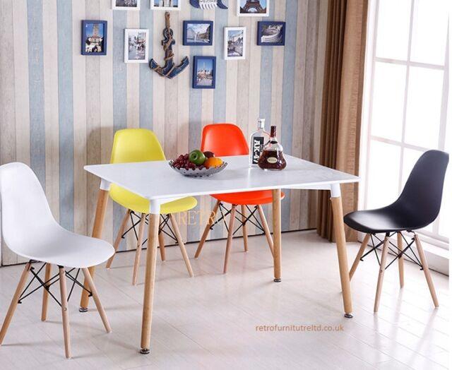 Tavolo da pranzo con 4 sedie Retro Eiffel DSW - 0 --