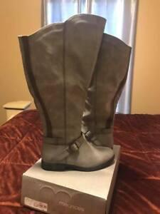 Women's Brand new wide calf boots size
