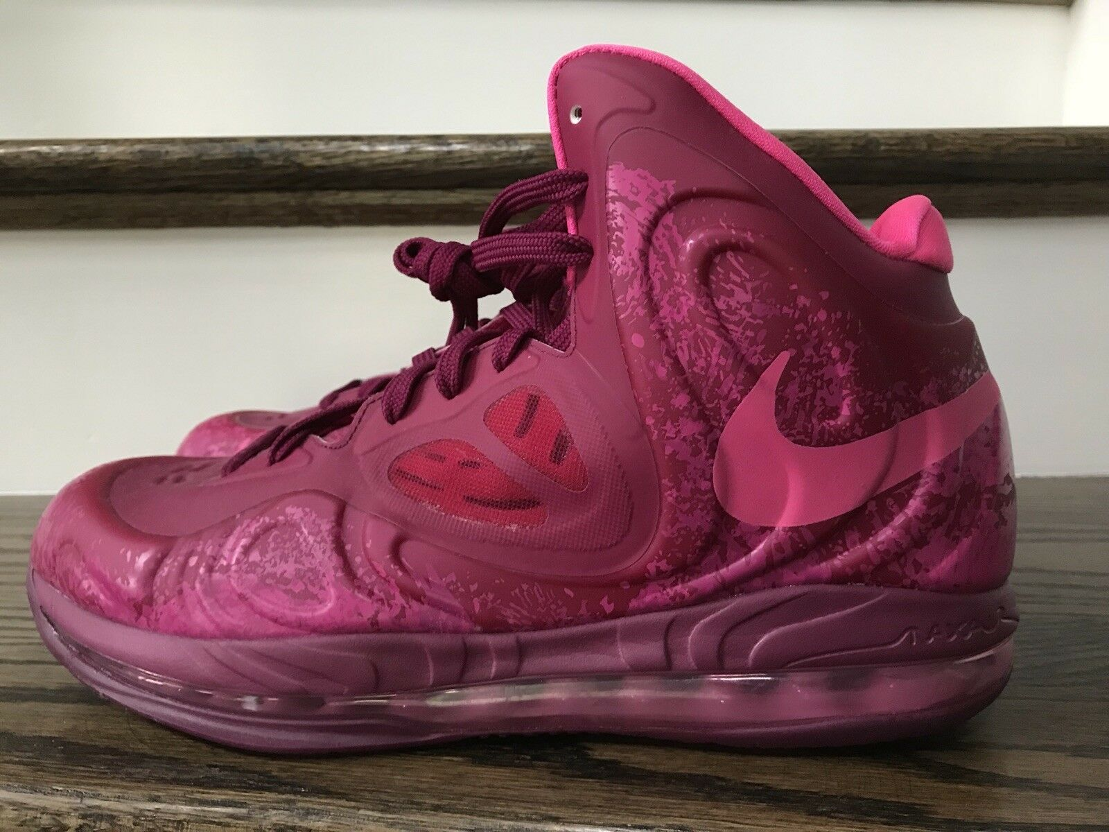 New Nike Air Max Hyperposite sz 10 Pink Raspberry Foil 524862 601 foamposite