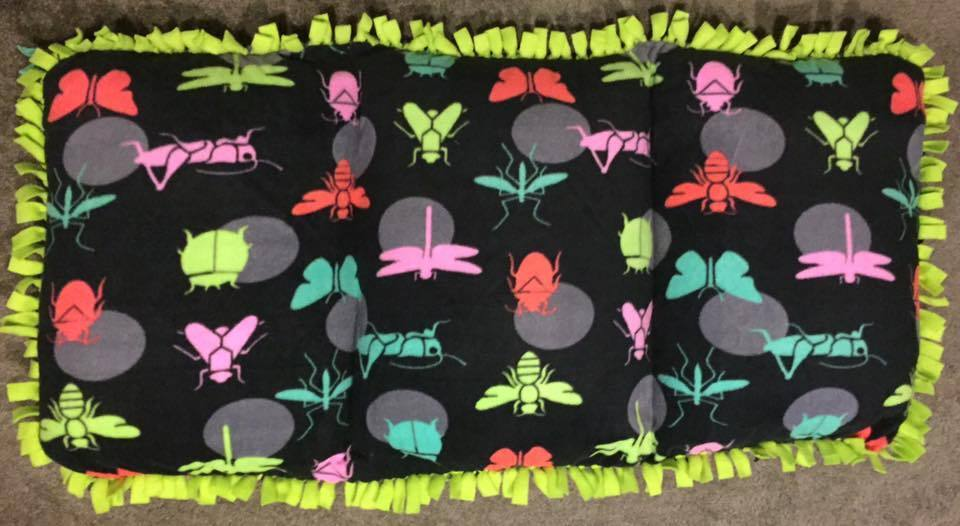 Homemade Fleece Caterpillar Caterpillar Caterpillar Bed Chair - Neon Bugs 3a0815