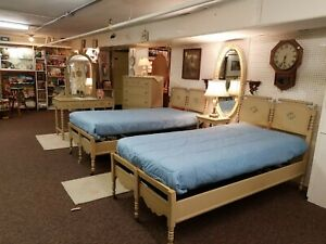 Details about 1945 TWIN BEDROOM SET, COTTAGE STYLE, HAND PAINTED, 6 PC.,  LOCAL PICK-UP ONLY
