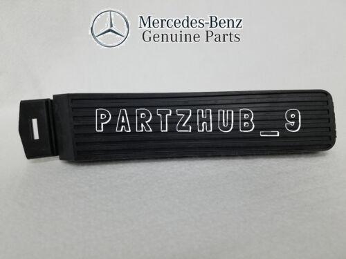 Mercedes W123 W116 W115 W114 W111 W109 W107 W108  Accelerator Gas Pedal GENUINE