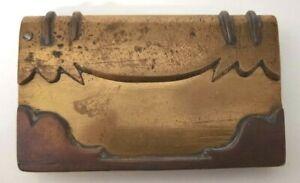 Artisanat de tranchée Briquet en forme de livre
