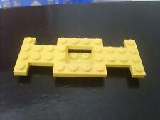 Pièce recherchée LEGO CITY: CHASSIS POUR VOITURE JAUNE occasion TBE