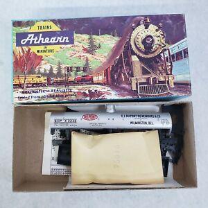 Vintage-Athearn-HO-Scale-Dupont-40-039-Single-Dome-Chemical-Tank-Car-Kit-1553