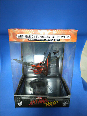 HOT TOYS MMSC004 ANT MAN ON FLYING ANT AND THE WASP MINIATURE COLLECTIBLE SET
