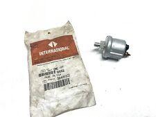 NOS International Navistar Oil Pressure Sending Unit Gauge 584051C2