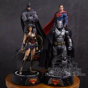 DC-Justice-League-Batman-Wonder-Woman-Superman-Statue-avec-lumiere-DEL-PVC-Cadeau