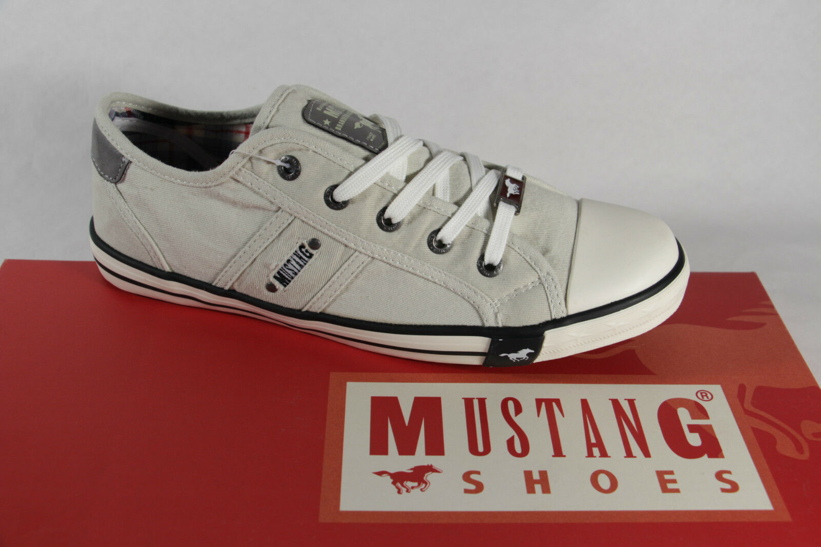 Mustang Lace Up Sneakers Low Shoes Trainers Ice Light Gray NEW