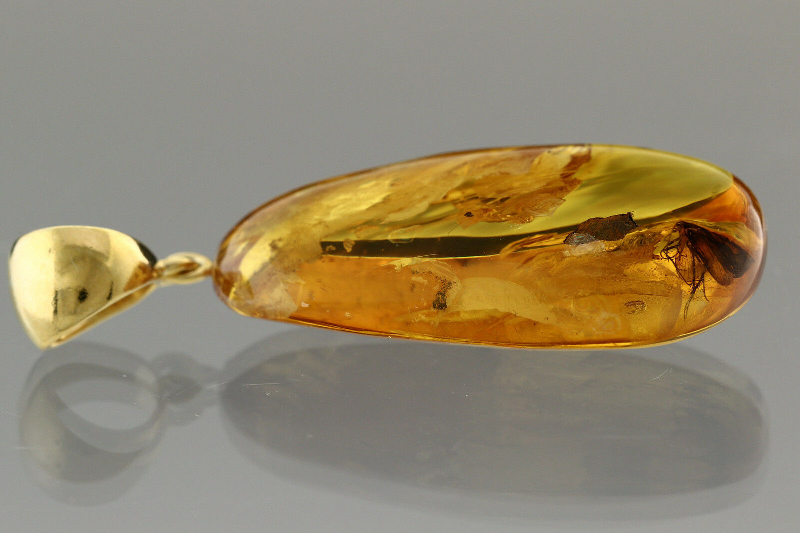 Fossil CADDISFLY Inclusion BALTIC AMBER gold Plated Pendant 7.2g p160818-12