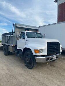 99' Ford F.800 Dump truck