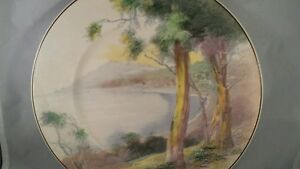 Royal-Doulton-Decorative-Collectors-Plate-Mountain-Scene-1932-present-D6310