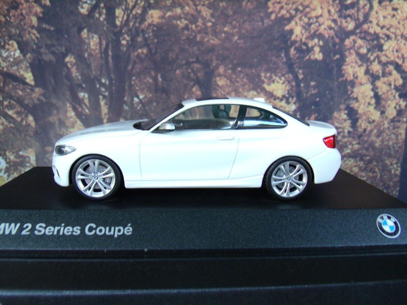 1 43 43 43  Minichamps BMW 2er Coupe  2013 211f1c