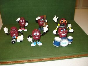 1987-88 GROUP OF 6 CALIFORNIA RAISINS CHARACTER FIGURES - COOL