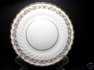 BEAUTIFUL-GOLD-FOLEY-SALAD-PLATE-PATN-FOL29-3146-9