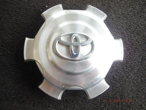 2007-10 Toyota FJ Cruiser Machined Wheel Rim Center Hub Cover Cap OE OEM 2938