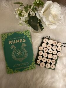 BIRCH-WOODEN-Runes-Handmade-Elder-Futhark-with-Rune-Book-New