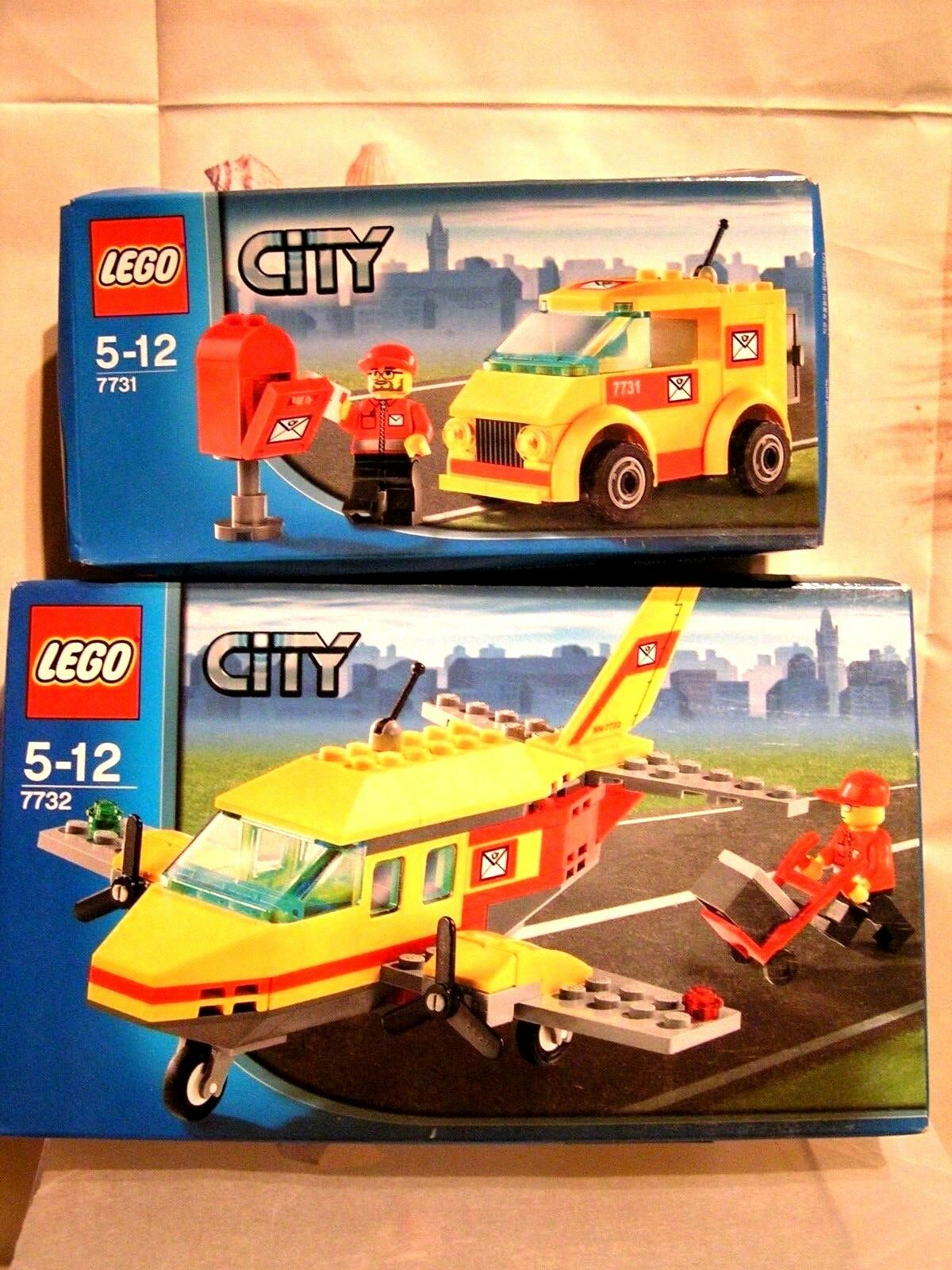 LEGO CITY - LOT POSTAL D'URGENCE AVION + FOURGON  - BOÎTES SCELLEES 7731 + 7732