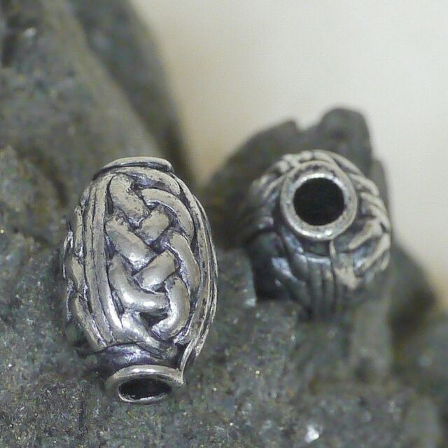 2 od.4 Stück Zinn Perlen Handgegossen Künstlerperle keltik Olive 14mm Loch 2,5mm