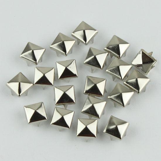 Pyramid / Silver