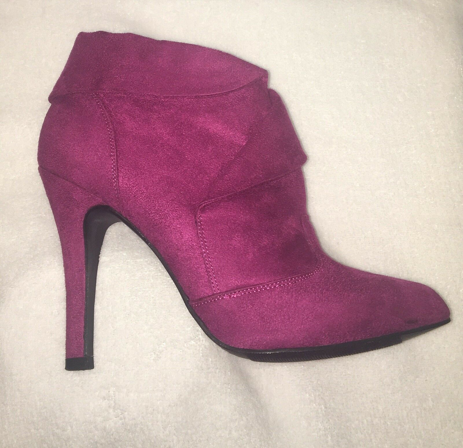 Qupid Berry Faux Suede Booties Size 7