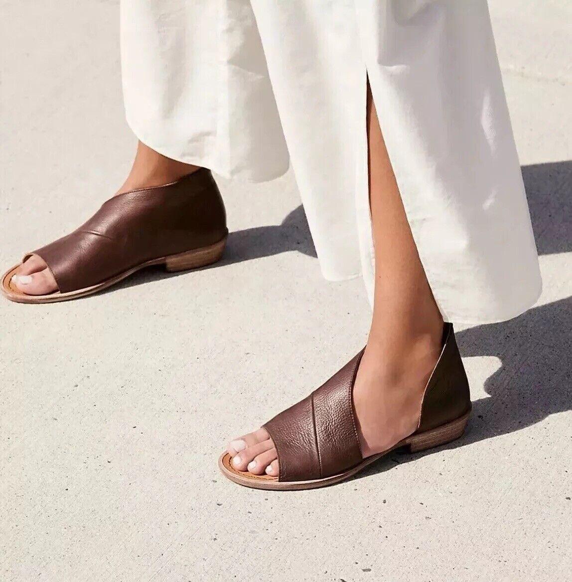 NIB FREE PEOPLE  168 Mont white Cocoa Brown Leather asymmetrical sandal Sz 36 6