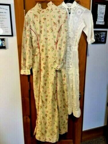 ANTIQUE VICTORIAN  mid 1800s STRAWBERRY PRINTED DR