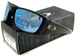 84208bf2ca2 NEW OAKLEY FUEL CELL SUNGLASSES OO9096-D8 MATTE BLACK   PRIZM DEEP ...