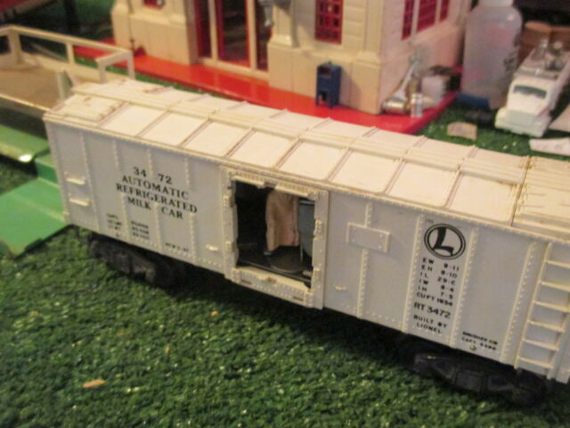 LIONEL PW 3472 OPERATING MILK CAR SET IN ORIG BOX WORKS HAS ISSUES CHEAP