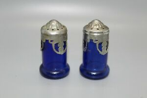 Dark-Cobalt-Blue-Vintage-Glass-and-Pewter-Salt-and-Pepper-Shakers-Japan