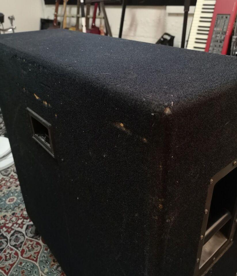 Guitarkabinet, Hughes & Kettner Attax 412, 400 W W