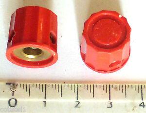 Lot-2-mini-boutons-rouge-a-point-fleche-blanc-pour-potentiometre-axe-6-mm-NOS