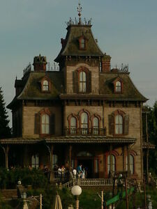 Disneyland-Paris-Phantom-Manor-DVD-CD-Haunted-Mansion-Disney-World-Mickey-Mouse