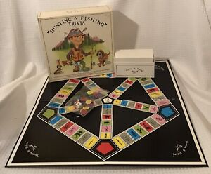 Trivia-Pursuit-Hunting-amp-Fishing-Camping-Big-Game-In-Box-Vintage-1985-COMPLETE