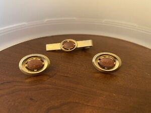 Vintage Gold Tone with Painted Floral Design Anson Cufflinks and Matching Tie Clip dr47