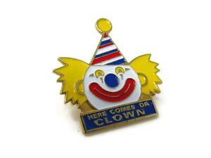 Here-Comes-Da-Clown-Vintage-Collectible-Pin