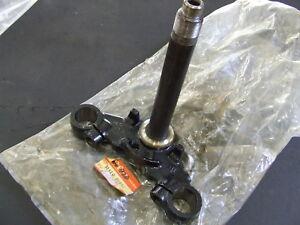 New Suzuki Fork Clamp Steering Stem 51410-36260 GT125 TS125 TC125 TS185 GT185