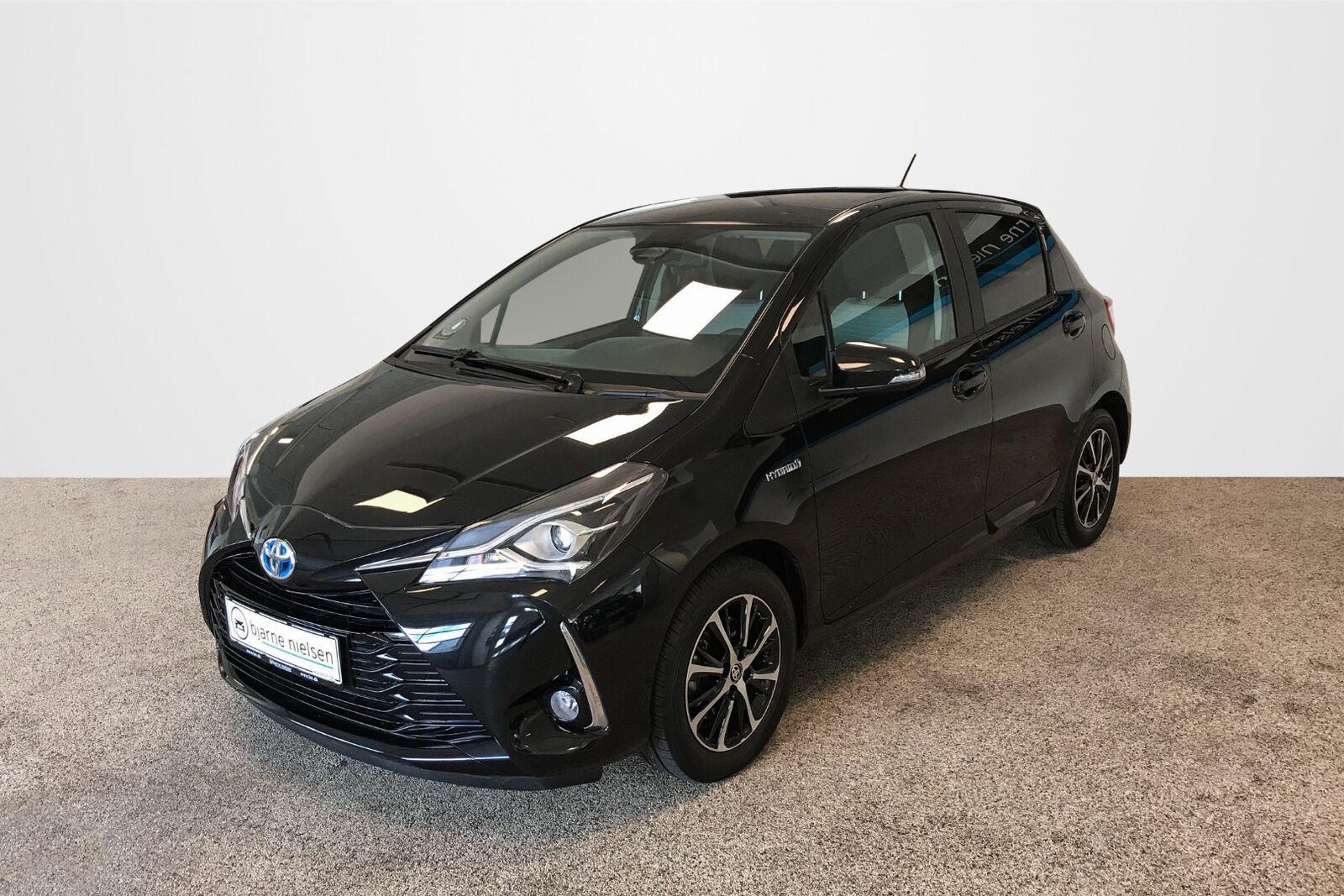 Toyota Yaris 1,5 Hybrid H3 Limited Smart e-CVT 5d - 164.700 kr.