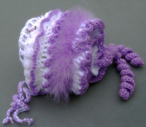NEW-Pretty-Baby-Girl-Lilac-and-Whie-Bonnet-Pattern-Lovely