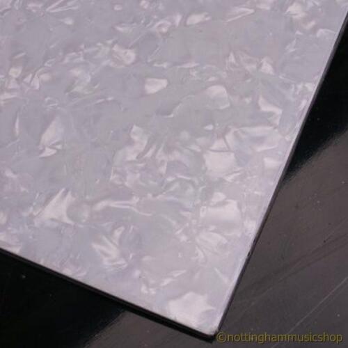 Guitar pickguard materiale WHITE Pearloid 29x44cm grandi