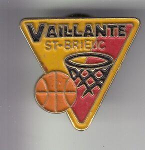 RARE-PINS-PIN-039-S-SPORT-BASKET-BALL-CLUB-TEAM-VAILLANTE-SAINT-ST-BRIEUC-22-C4