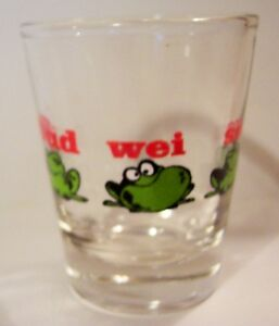 BUDWEISER-BEER-BUD-FROGS-LOGO-ON-A-CLEAR-SHOT-GLASS