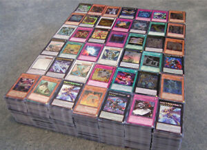 Yu-Gi-Oh-100-Card-Lot-guaranteed-Foil-Cards-10-HOLO-per-pack-plus-1-CF